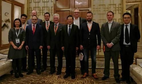 崔忠付会见出席2016国际医药供应链峰会的国外嘉宾